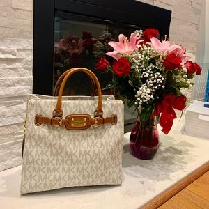 Micheal Kors Hamilton Large East West Tote